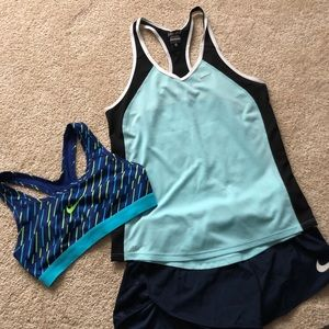 Nike Set-sports bra, shorts, tank size S
